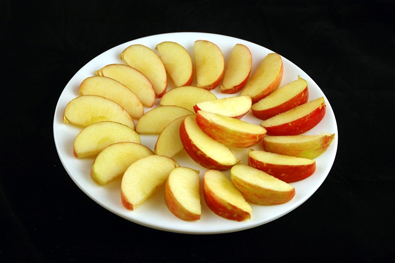 385 g apples = 200 calories