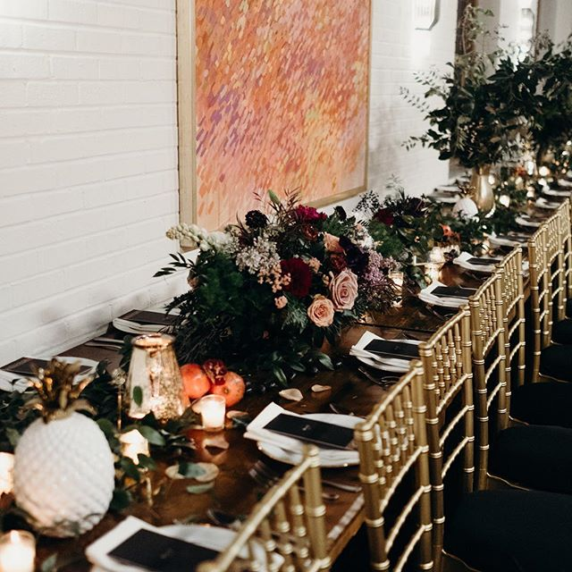 Dreamiest tablescape we've ever seen! 📷 @theleitzingers  #texashotels #dallasboutiquehotel #historic #dallasskyline #oakclifftx #loveislove #gaywedding #weddingflowers #weddingflorals #design #tablescapes #weddingtabledecor #dallasevents #dallaseventvenue #dallaseventspace #wolfgangpuckcatering #laurenmorganfloral #wedding #love #dallas #bishopartsdistrict