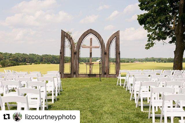 April showers bring May flowers. Bring on the flowers! 💐🌷🌹 . . . #Repost @lizcourtneyphoto with @get_repost ・・・ How gorgeous is this ceremony location! I love how simple and sweet it is and that it looks out over a gorgeous sky and field. Would you say I Do here? #therubycora #clarksvilletn #tnwedding #clarksvillewedding #weddingphotography #lizcourtneyweddings #amodernspace #nashvillewedding