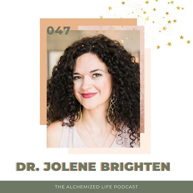 TELL ME YOUR FAVORITE PART OF THIS WEEK WITH @drjolenebrighten 🙌🏼 I think the biggest thing that I took away from the conversation was the connection between hormones and our GUT. For so long I had been wondering why the heck I developed all these food sensitivities and NOW I know and have the steps to get things right again. If you haven't already, head to the link in bio to listen to the full episode on birth control, hormones and reclaiming your health. #TheAlchemizedLife