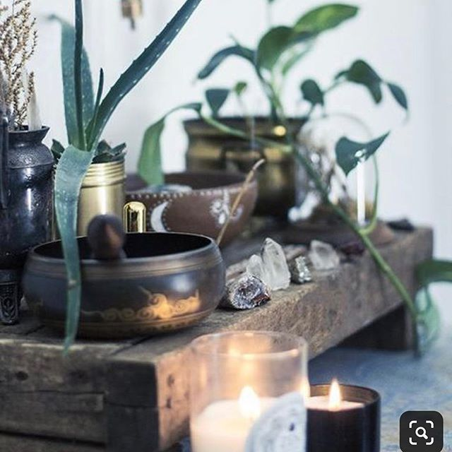 Not sure where this came from but this beautiful organic meditation altar makes me want to ohm..... .................................................. #alltheprettythings #design #interiordesign #crystalhealing #meditationspace