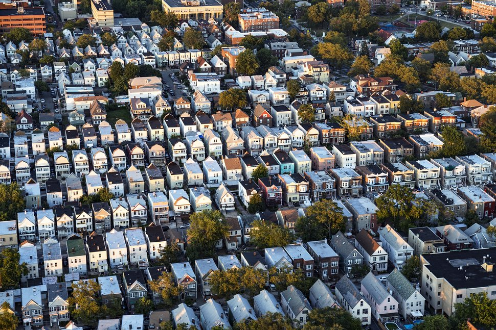 Homeowners looking to sell should consider 2019 a prime opportunity to cash in. (Getty Images)