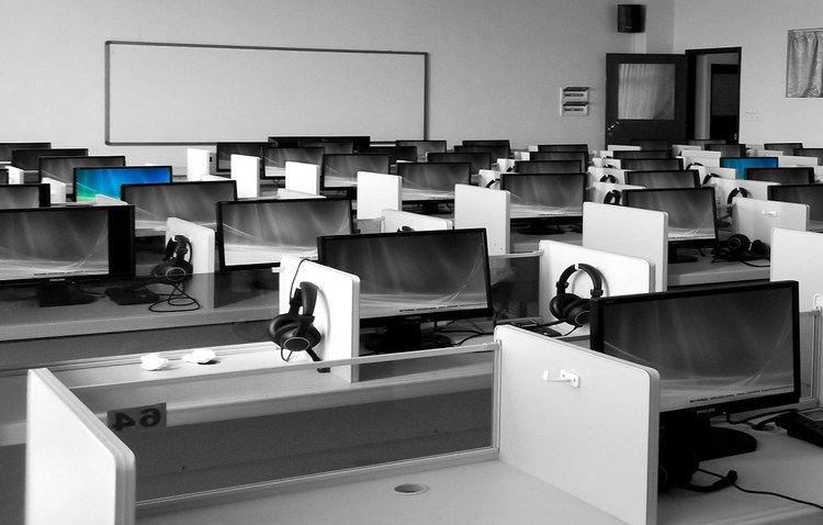 business-businessmen-classroom-267507.jpg