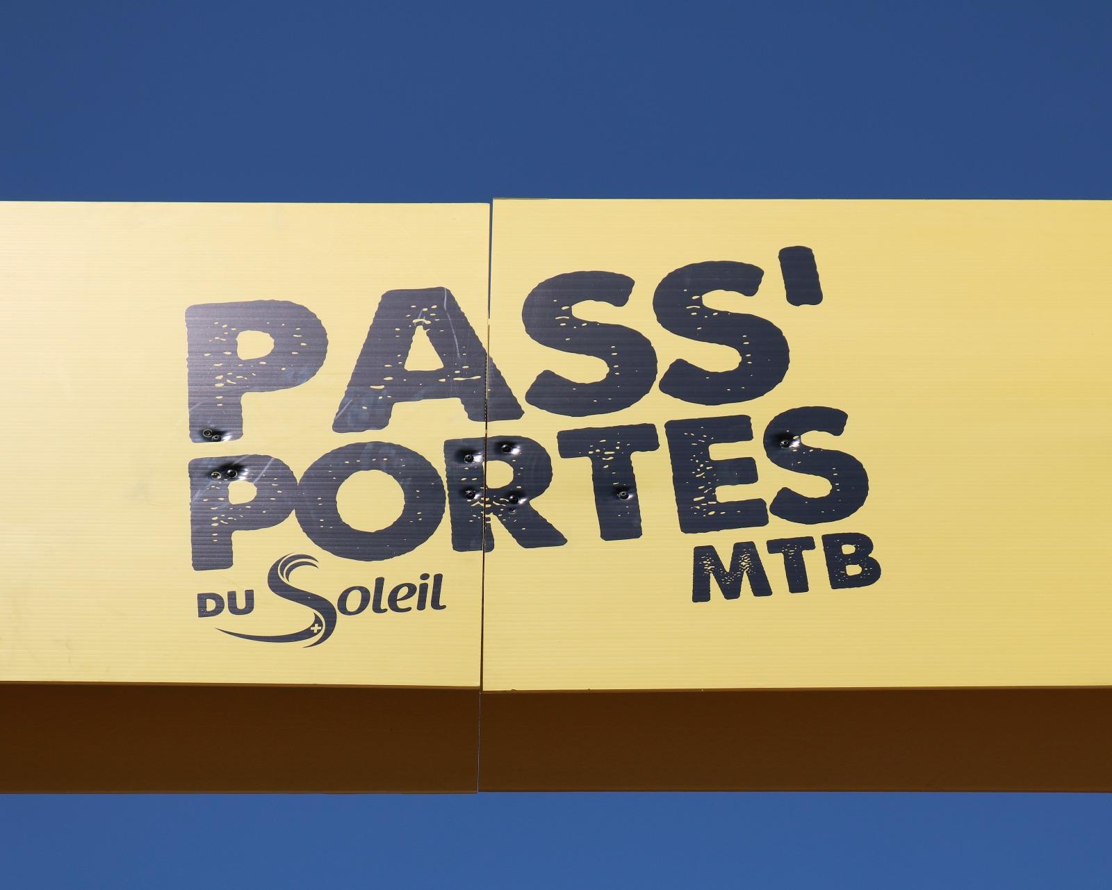 Passportes logo.JPG