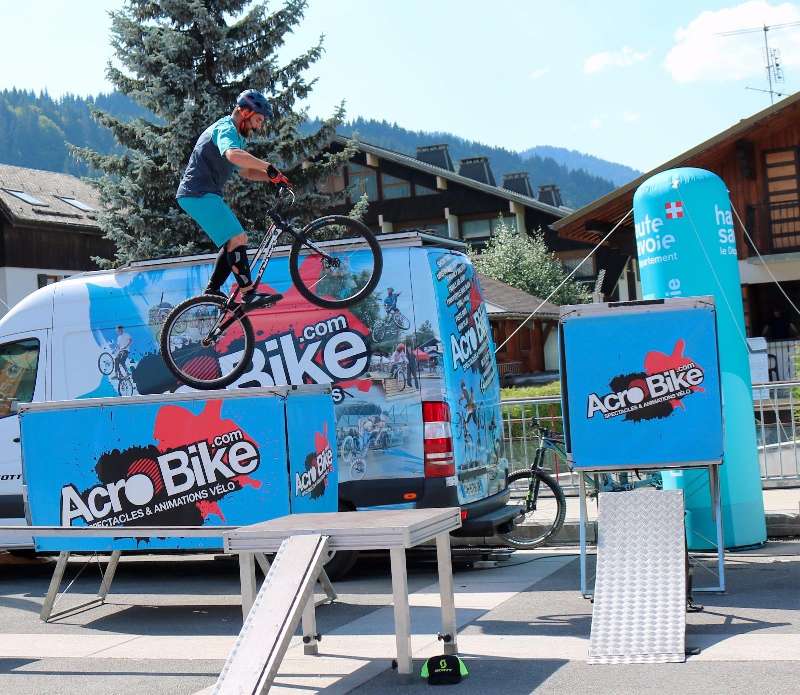 Acrobike box.png