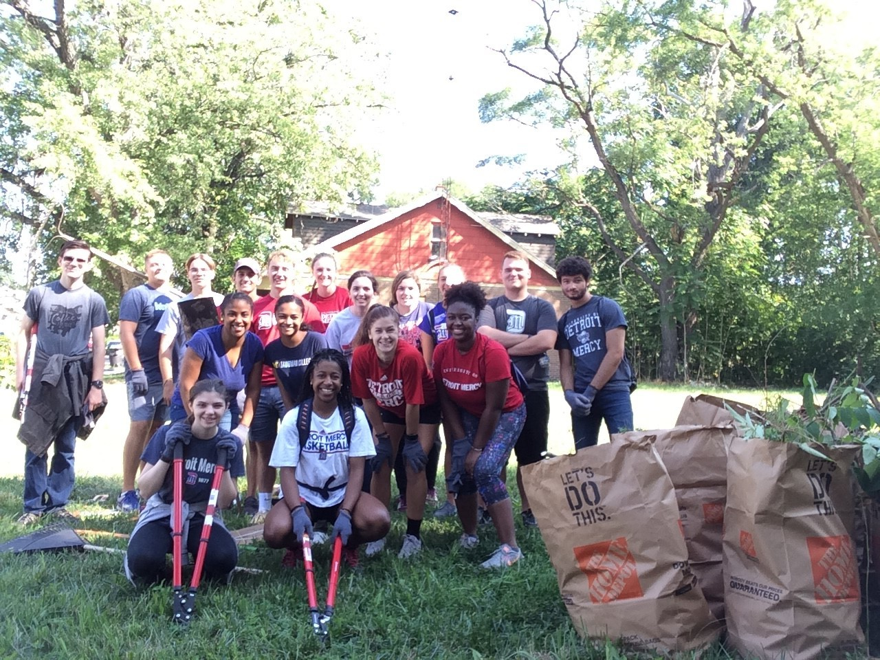 - On August 22nd-23rd, 2018 the Century Forward team led more than 30 volunteers from the University of Detroit Mercy's freshman class in clearing lots throughout Fitzgerald. Century Forward will partner with UDM for future volunteer opportunities that contribute to the creation of cleaner, safer spaces for the Fitzgerald community.