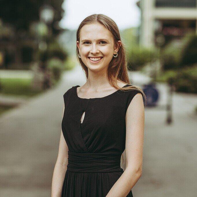 Nina Eiböck   Co-Head of Project Access Austria   (Economics & Management @ Oxford)