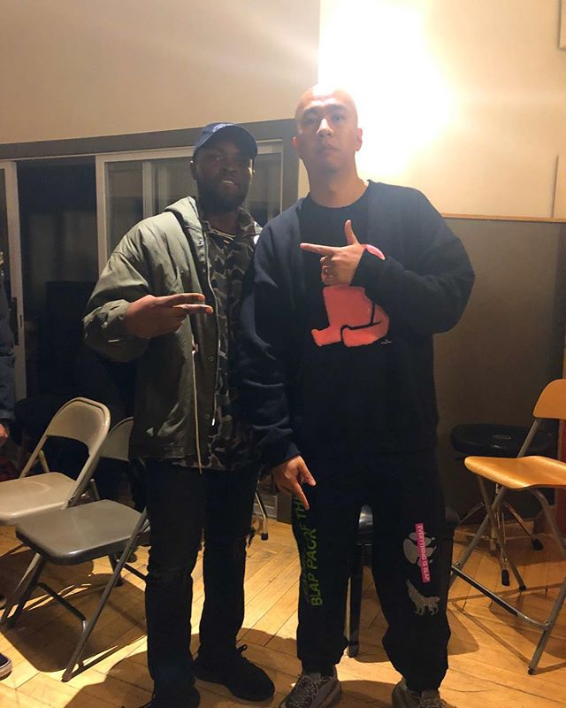 Big thank you to @illmindproducer for having us at his #PasstheAux event last night. A lot of gems were dropped. It was very humbling to receive  knowledge from one of the best producers in the game and have him rocking out to my music. Shoutout to all of my talented peers that I met last night. So much 🔥🔥🔥 in one room! #AHalfDozenRoses #Illmind #PasstheAux #BlapGod #BlapKits #BlapChat #NYC