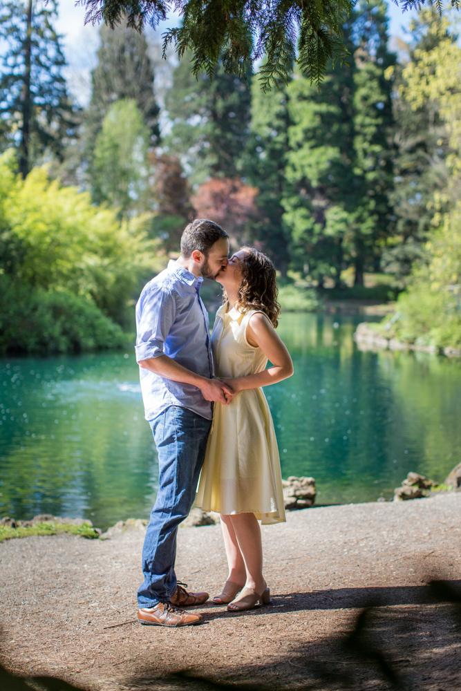 Laurelhurst-Park-Engagement-Portland-007.jpg