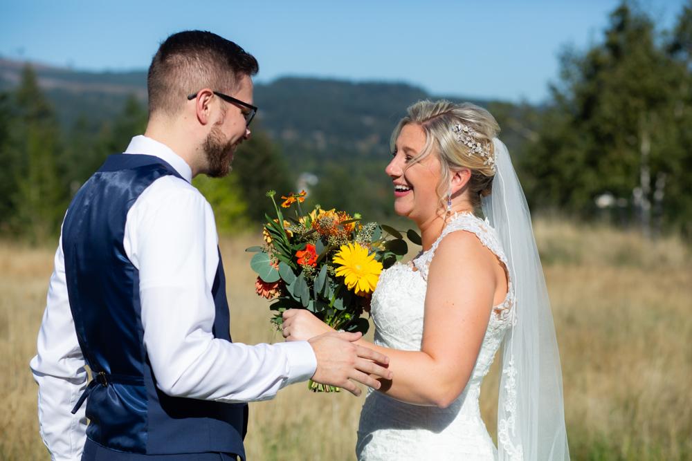 Portland-Skamania-Lodge-Wedding-07.jpg