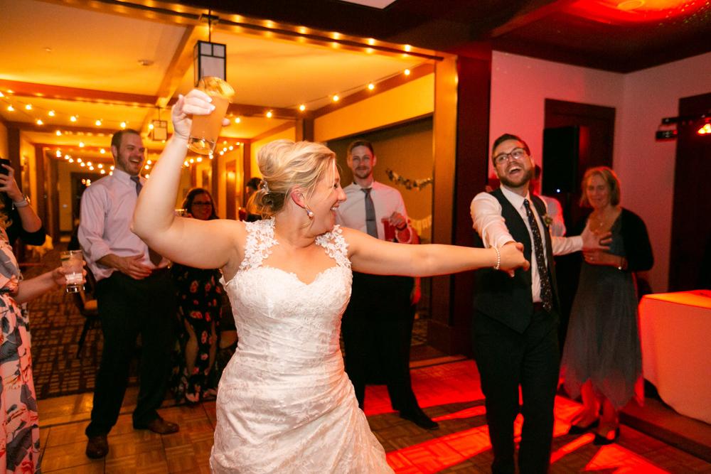 Portland-Skamania-Lodge-Wedding-75.jpg