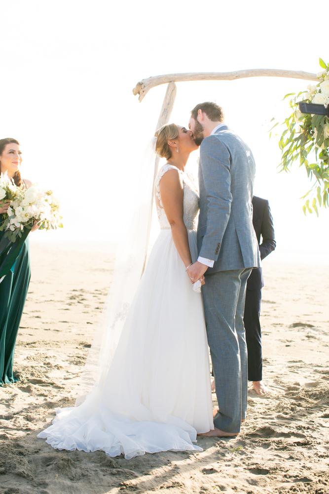 DanRice-Gearhart-Oregon-Beach-Wedding_076.jpg
