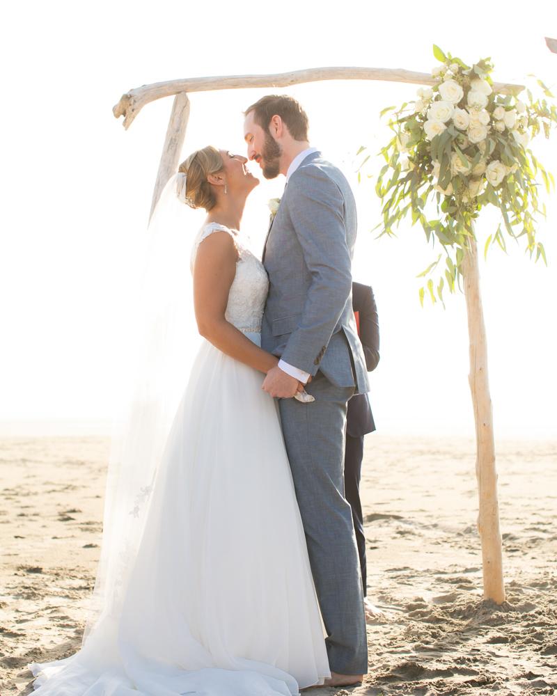 DanRice-Gearhart-Oregon-Beach-Wedding_077.jpg