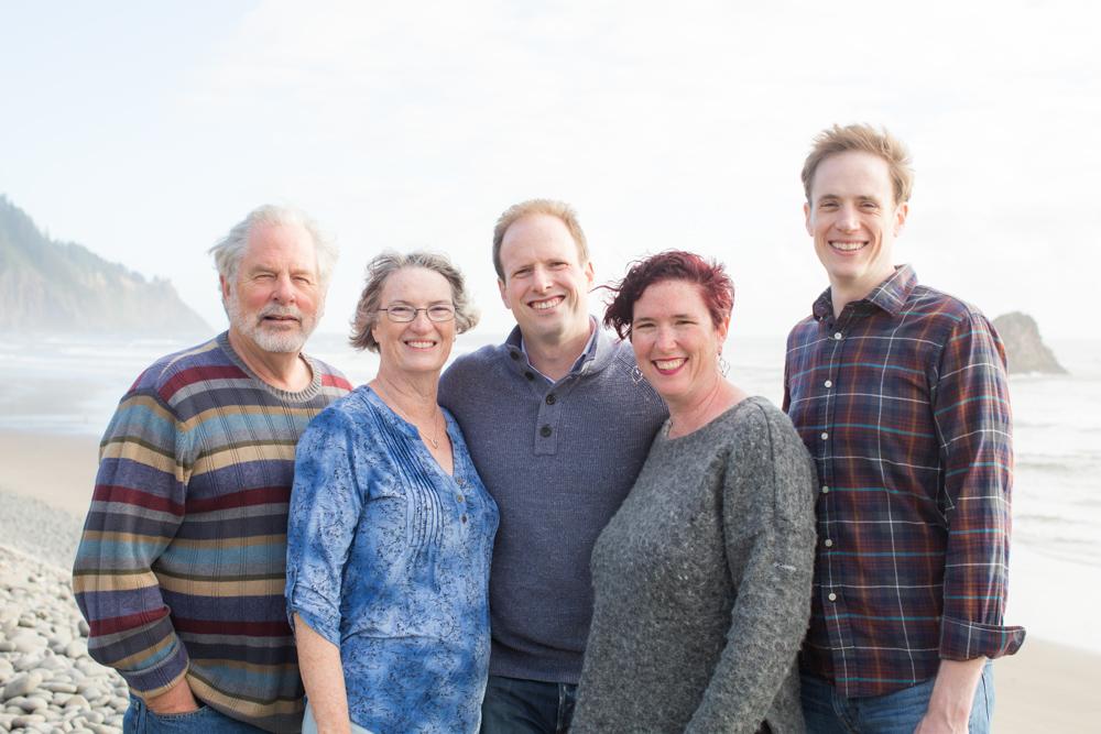 DanRice-Oregon-Family-Beach_029.jpg