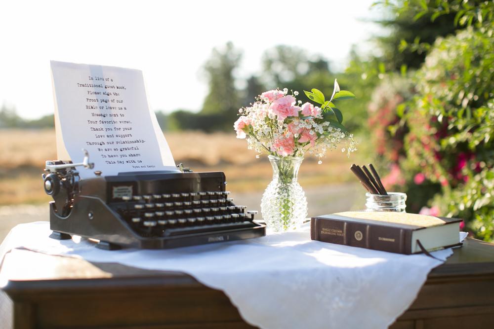 Oregon-Wedding-AtavistaFarm19_0006.jpg