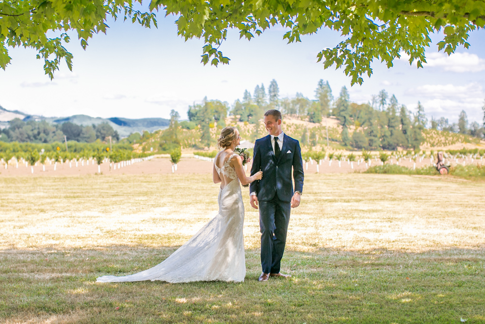 Oregon-Wedding-AtavistaFarm19_0033.jpg