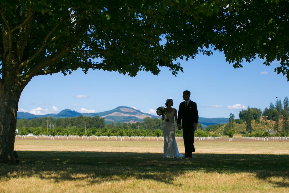 Oregon-Wedding-AtavistaFarm19_0038.jpg