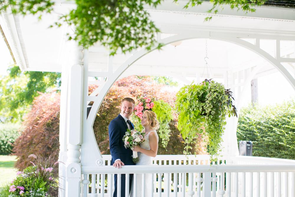 Oregon-Wedding-AtavistaFarm19_0042.jpg