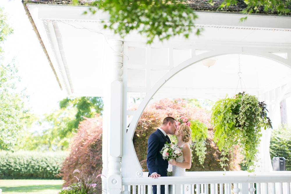 Oregon-Wedding-AtavistaFarm19_0043.jpg