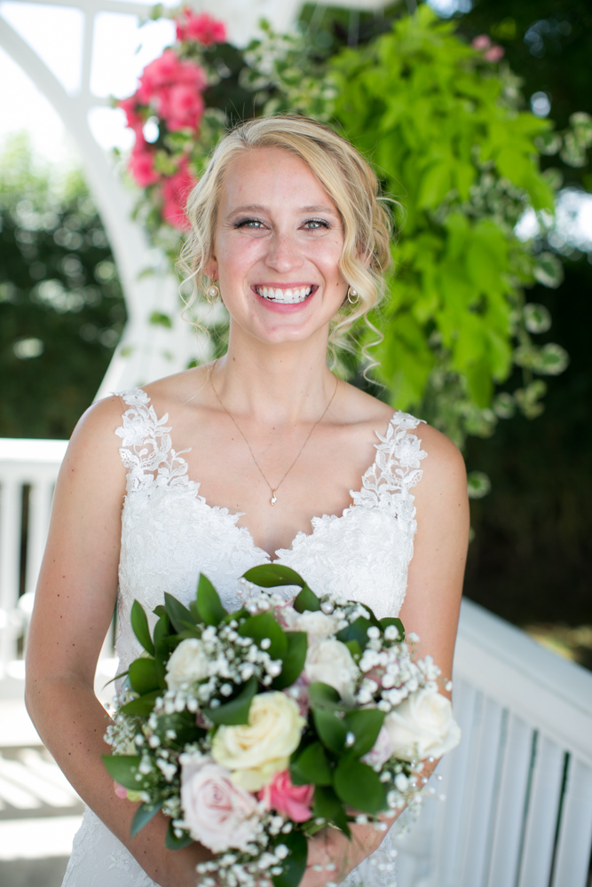 Oregon-Wedding-AtavistaFarm19_0045.jpg