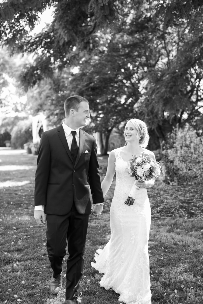 Oregon-Wedding-AtavistaFarm19_0046.jpg
