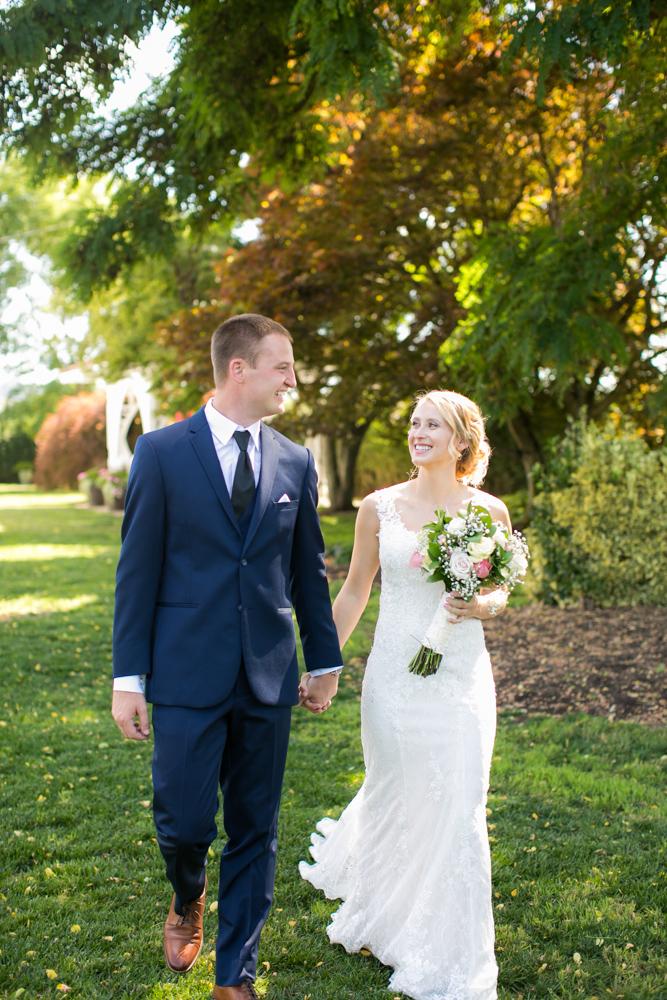 Oregon-Wedding-AtavistaFarm19_0047.jpg