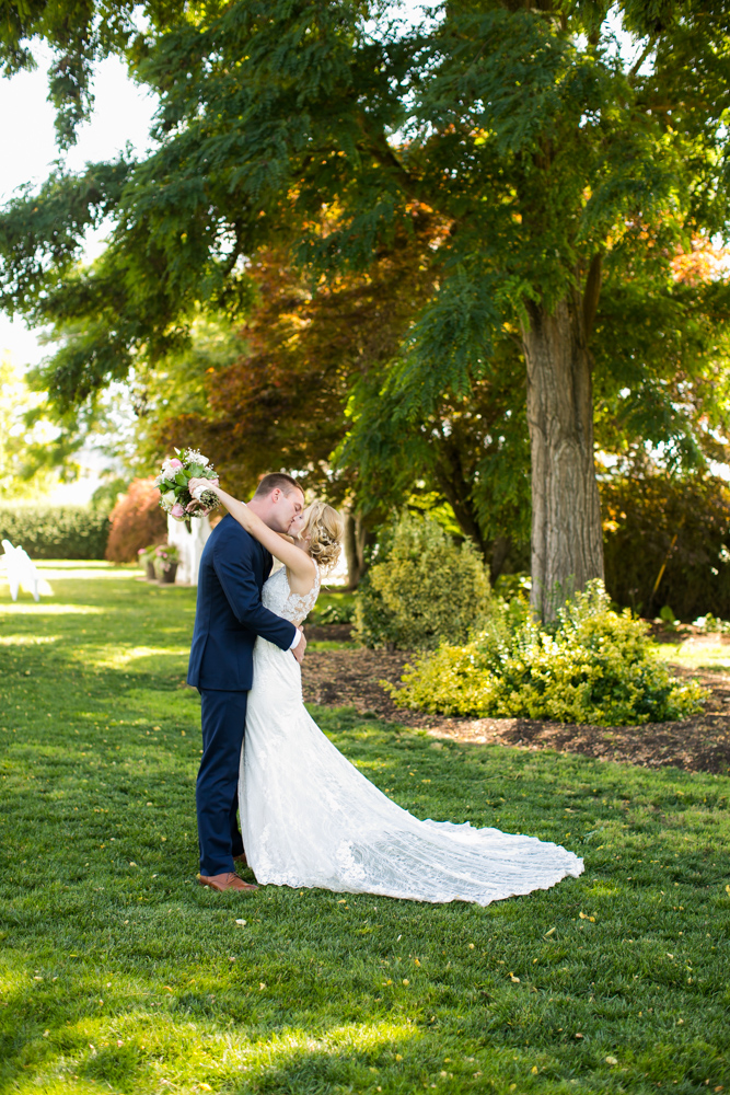 Oregon-Wedding-AtavistaFarm19_0048.jpg