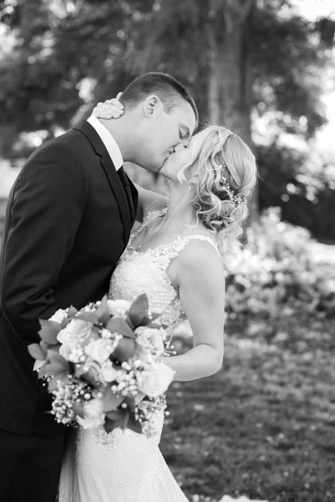 Oregon-Wedding-AtavistaFarm19_0049.jpg