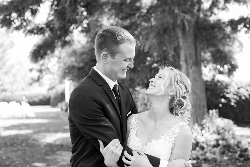 Oregon-Wedding-AtavistaFarm19_0052.jpg
