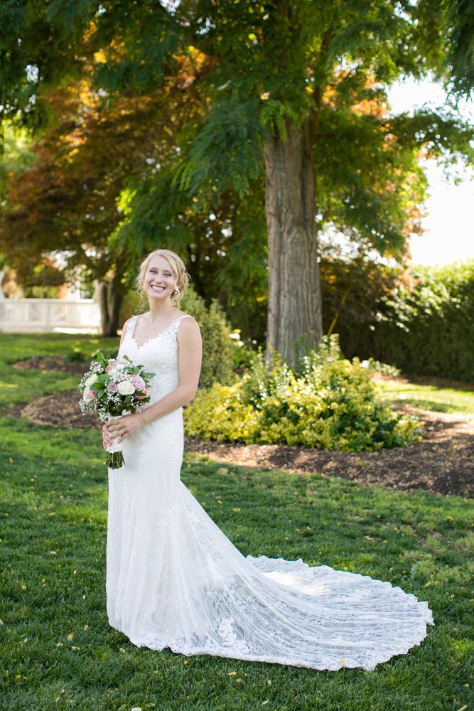 Oregon-Wedding-AtavistaFarm19_0051.jpg