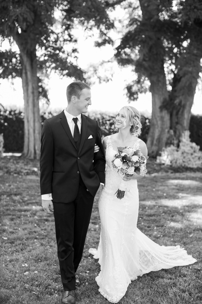 Oregon-Wedding-AtavistaFarm19_0055.jpg