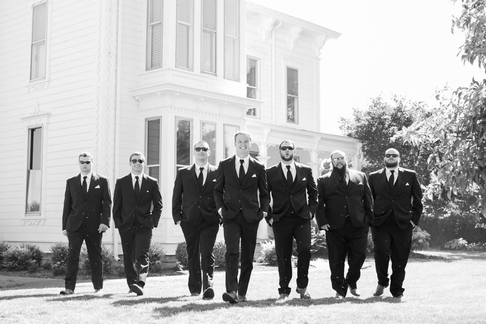 Oregon-Wedding-AtavistaFarm19_0076.jpg
