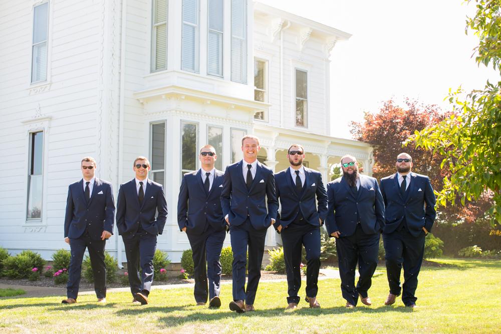 Oregon-Wedding-AtavistaFarm19_0077.jpg