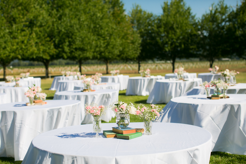 Oregon-Wedding-AtavistaFarm19_0087.jpg