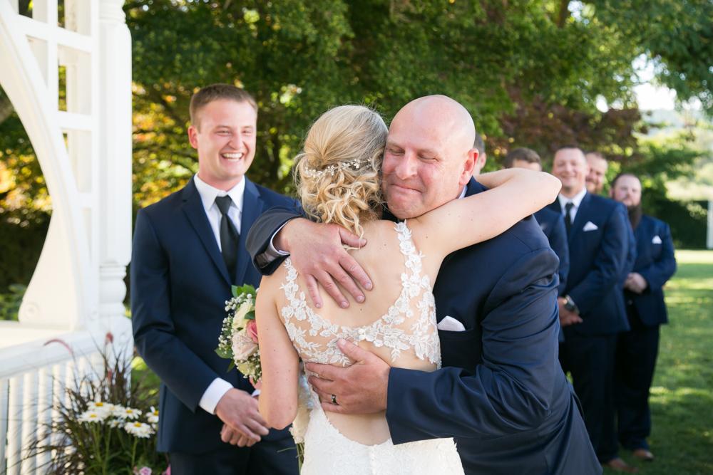 Oregon-Wedding-AtavistaFarm19_0098.jpg