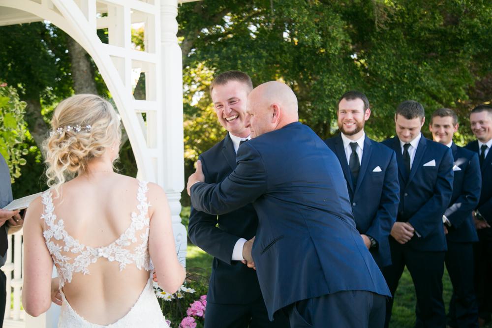 Oregon-Wedding-AtavistaFarm19_0099.jpg