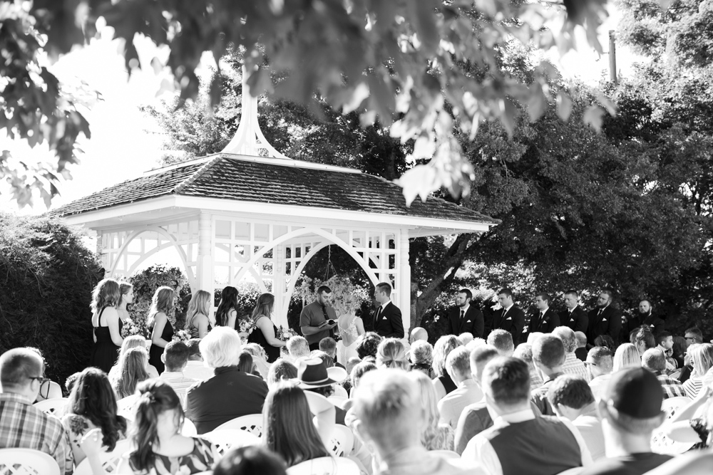 Oregon-Wedding-AtavistaFarm19_0103.jpg