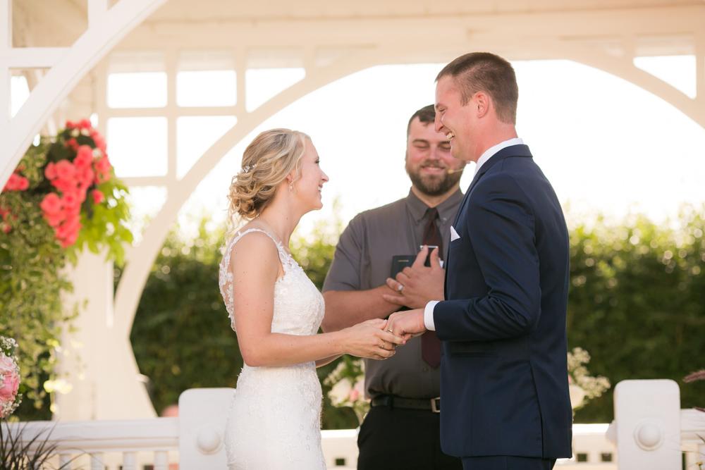 Oregon-Wedding-AtavistaFarm19_0105.jpg