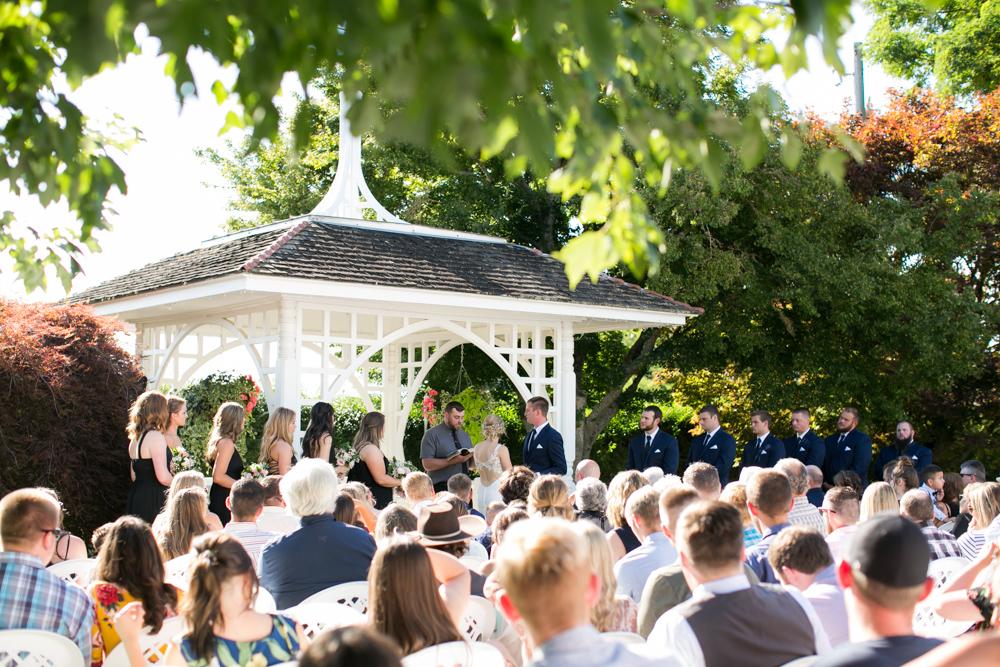 Oregon-Wedding-AtavistaFarm19_0104.jpg