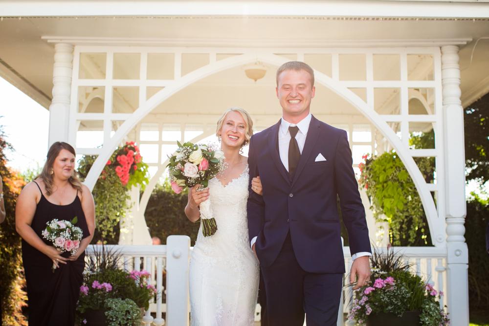 Oregon-Wedding-AtavistaFarm19_0111.jpg