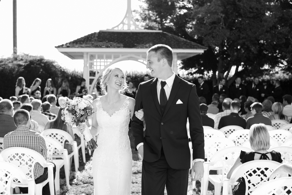 Oregon-Wedding-AtavistaFarm19_0112.jpg