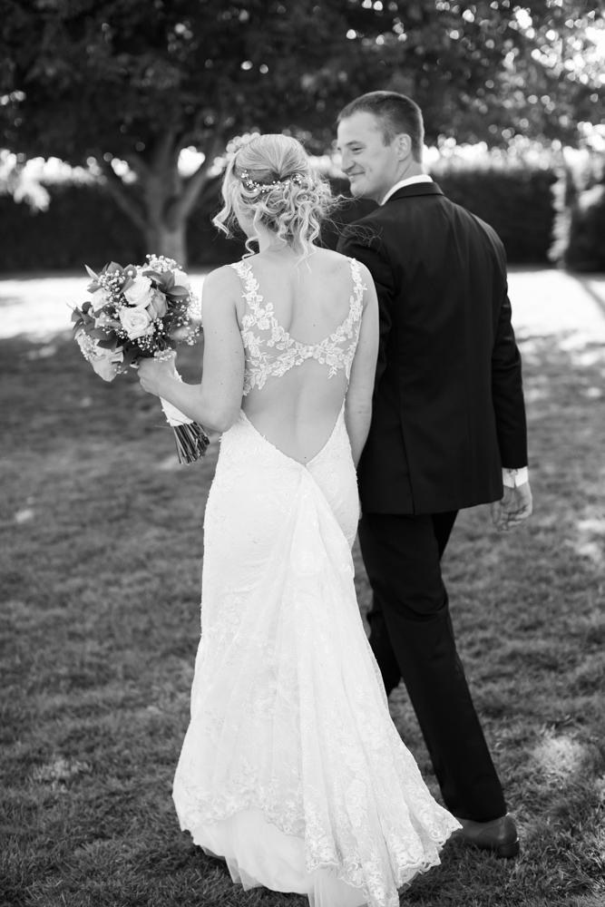 Oregon-Wedding-AtavistaFarm19_0121.jpg