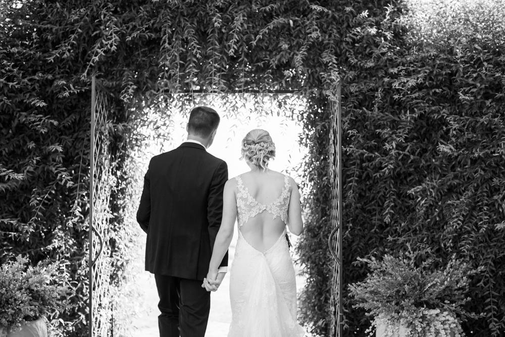 Oregon-Wedding-AtavistaFarm19_0123.jpg