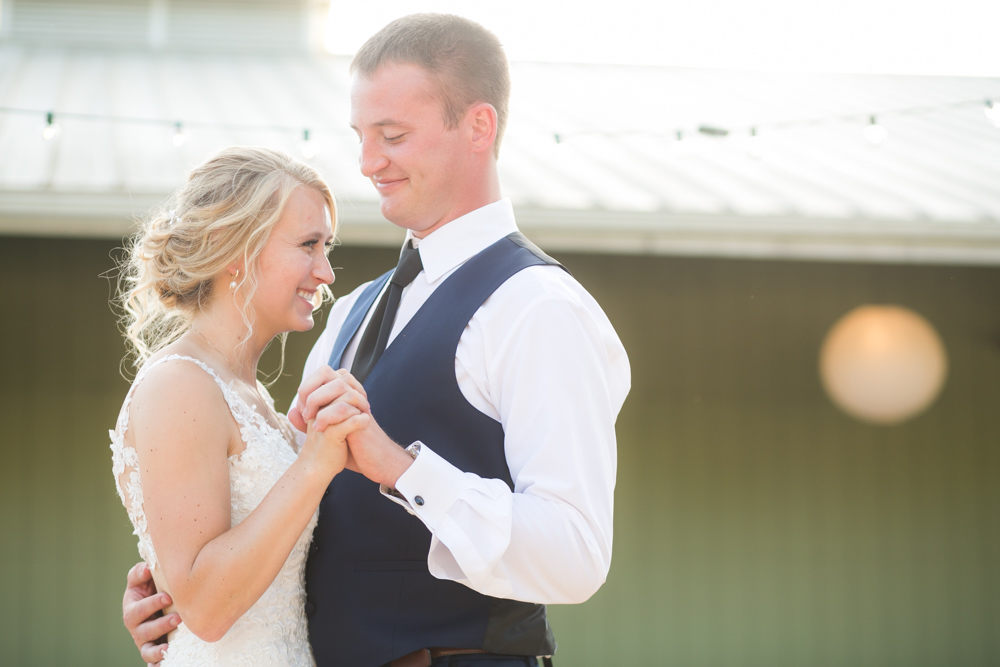 Oregon-Wedding-AtavistaFarm19_0138.jpg