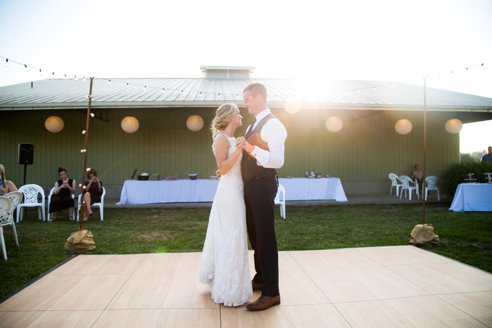 Oregon-Wedding-AtavistaFarm19_0137.jpg