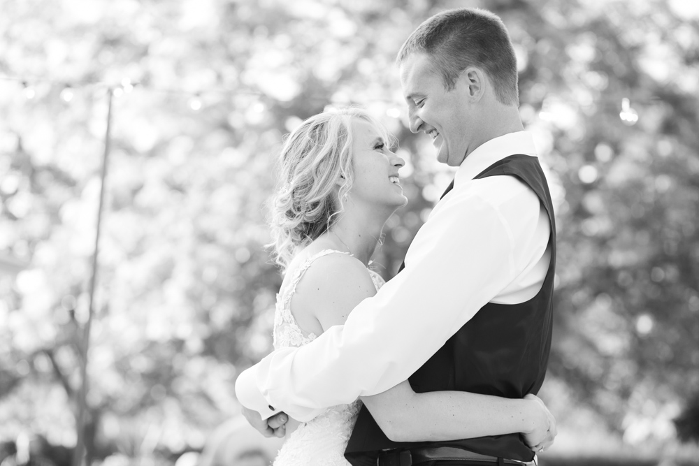 Oregon-Wedding-AtavistaFarm19_0140.jpg