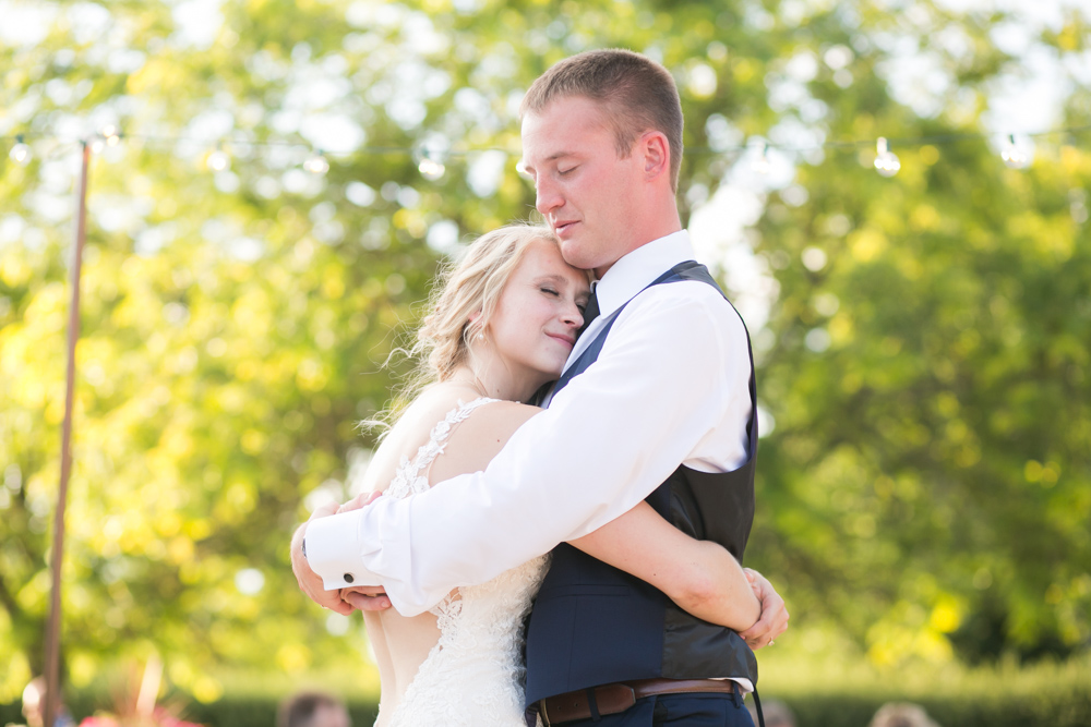 Oregon-Wedding-AtavistaFarm19_0139.jpg