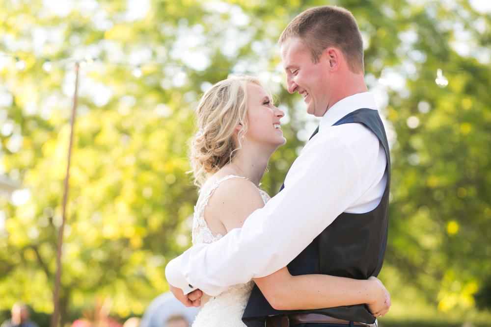 Oregon-Wedding-AtavistaFarm19_0141.jpg