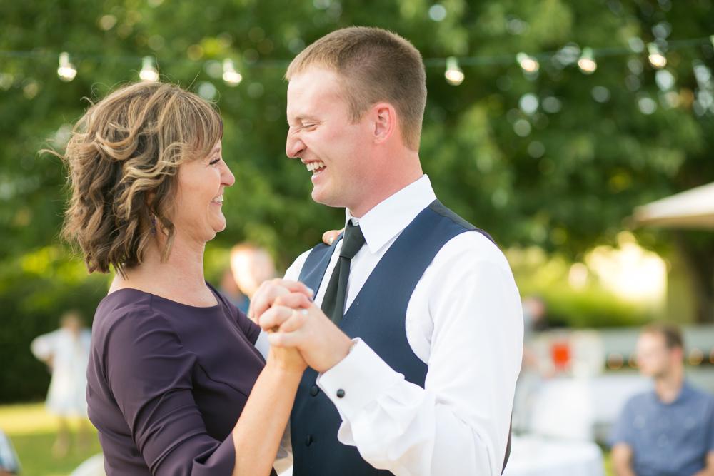 Oregon-Wedding-AtavistaFarm19_0142.jpg