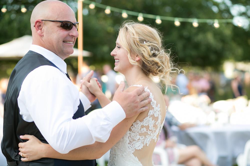 Oregon-Wedding-AtavistaFarm19_0144.jpg